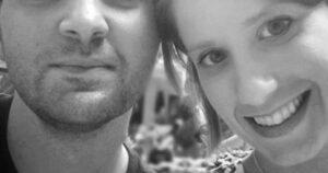 Su esposa fallece de manera inesperada y 7 días después encontró una foto de ella