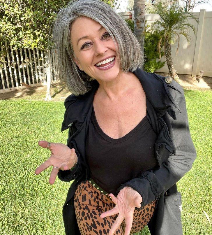 Esta mujer de 56 años demuestra que se puede ser sexy sin